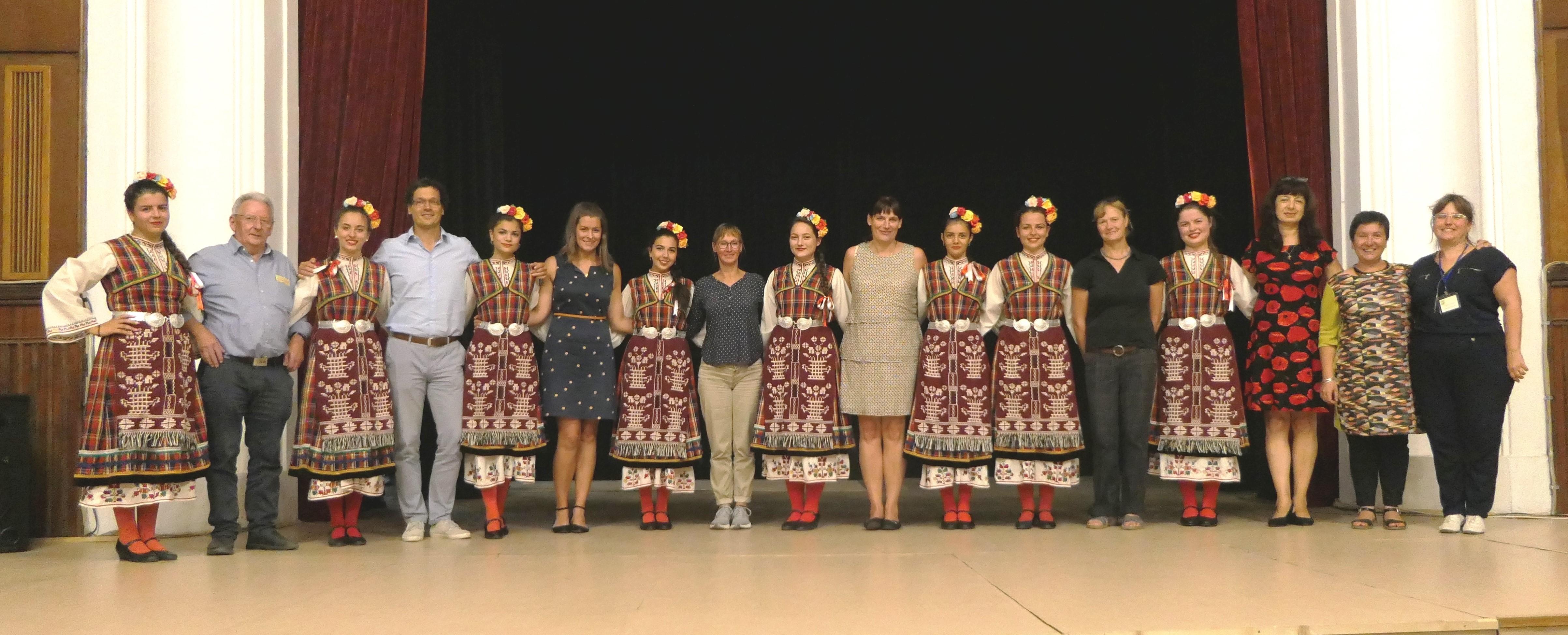 Besuch beim Folkloretanzverein Elena