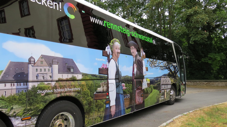 Fernreisebus der KomBus - bereit für Touren durch Europa