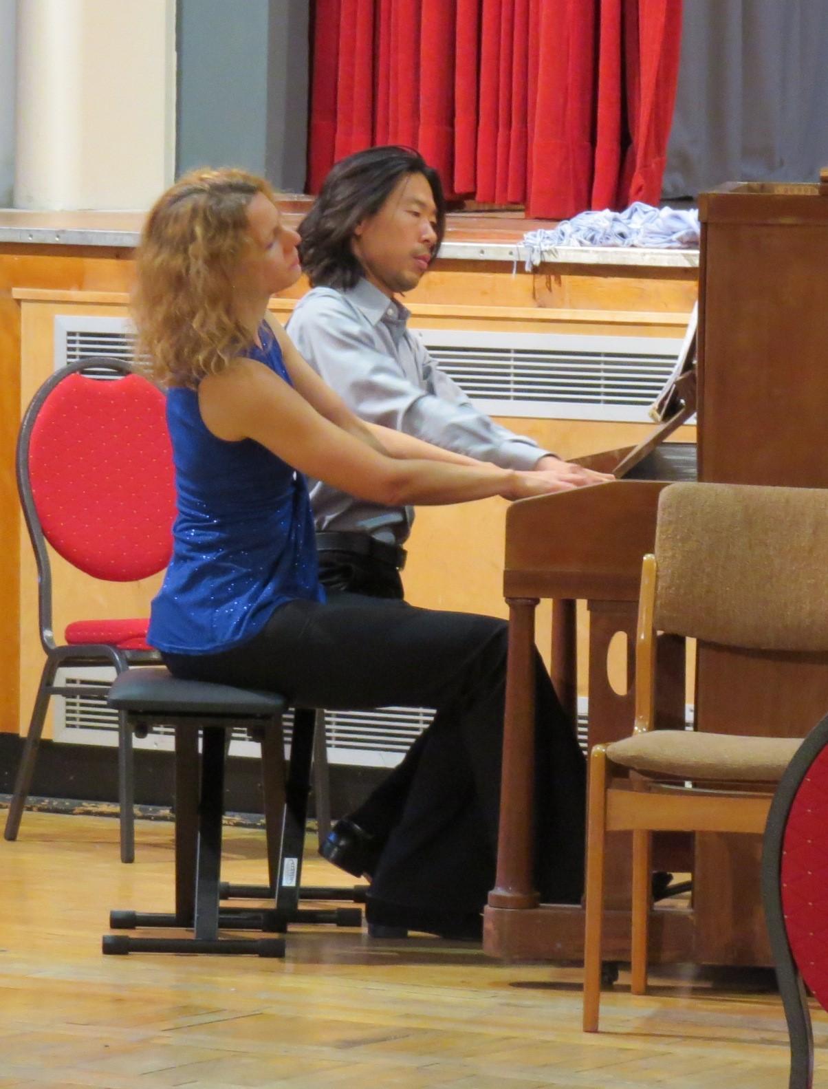 """4 Hände am Klavier: """"Die Moldau"""" von Smetana"""